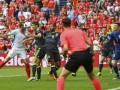 بنر زن ذلیلها در بین هواداران در بازی انگلیس و ولز برافراشته شد - روژان